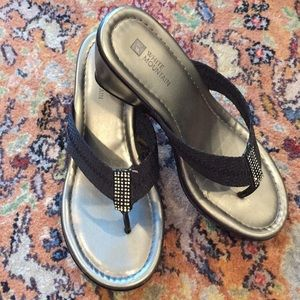 White Mountain Black Sandals